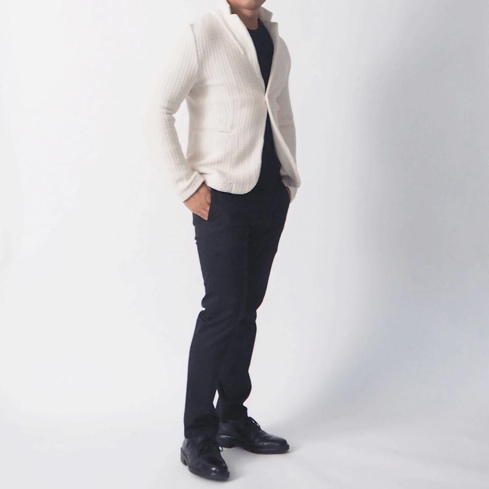 低身長男性 黒スラックス