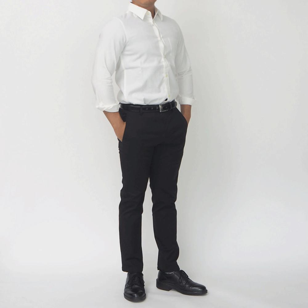 低身長男性 白シャツ