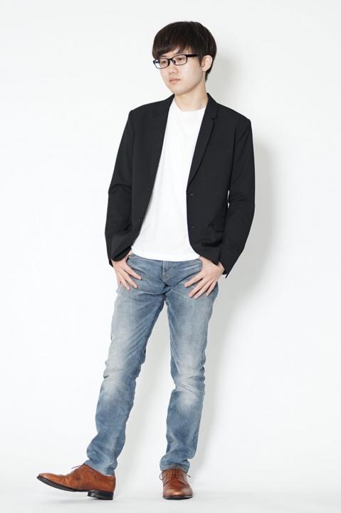 低身長 黒ジャケット コーデ