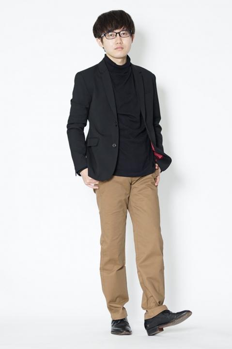小柄 黒ジャケット コーデ