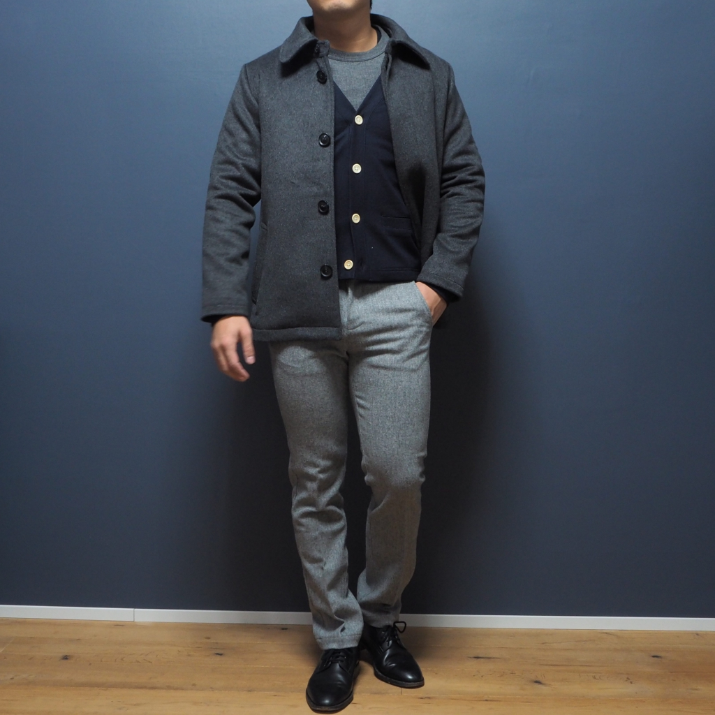 小柄男性のステンカラーコート