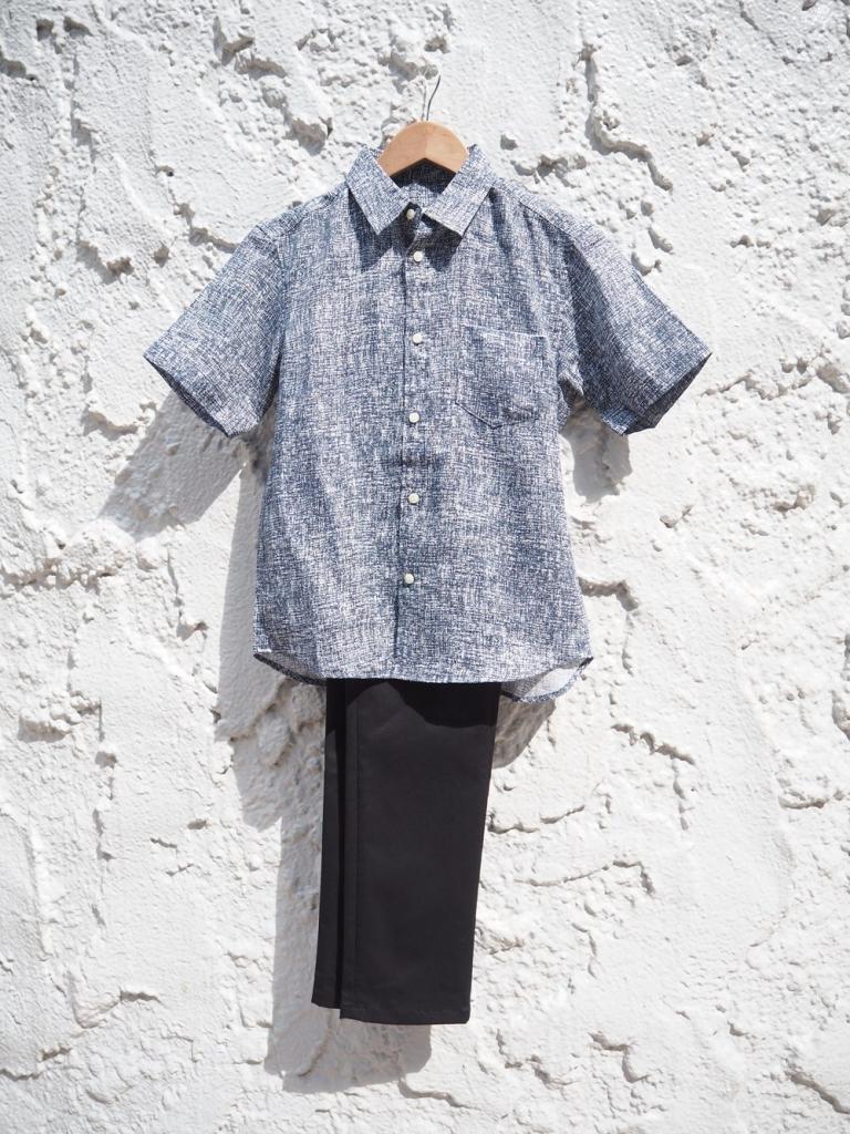 小柄男性 リネンシャツ