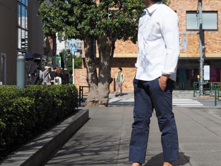 低身長 白シャツ